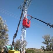Montaje de torre eléctrica